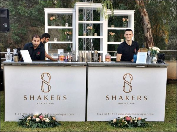 Shakers Moving Bar